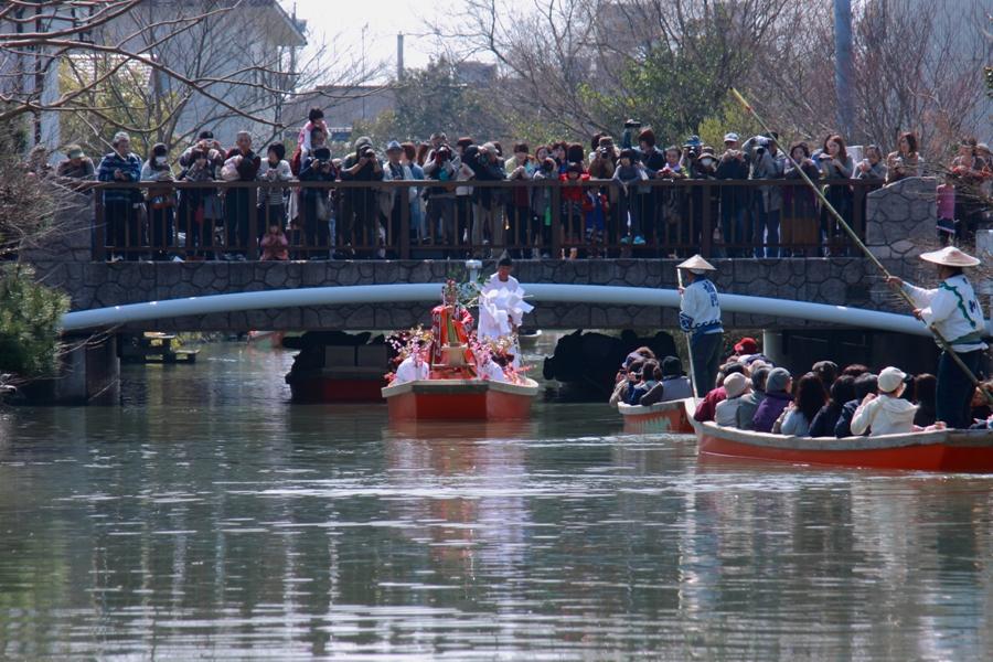 おひな様水上パレード 柳城橋